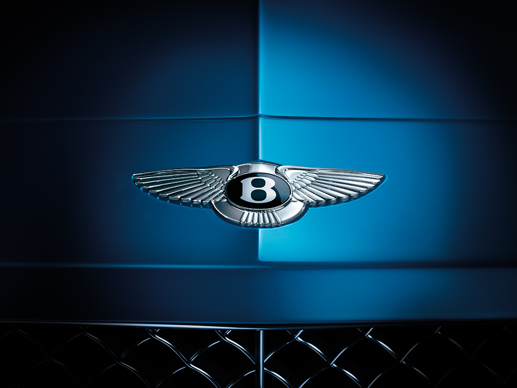 CGI Bentley Contintental GT front shot of badge