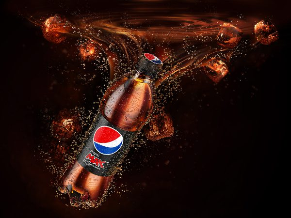 Pepsi Max CGI Bottle submerged in pepsi